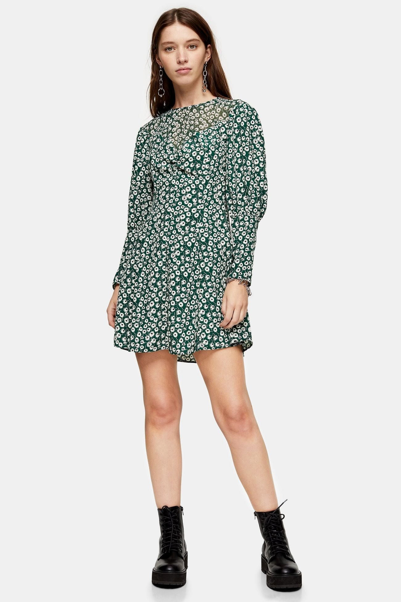 Topshop: Up to 60% off sale styles.