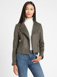 Banana Republic: 30-50% Off Everything & More