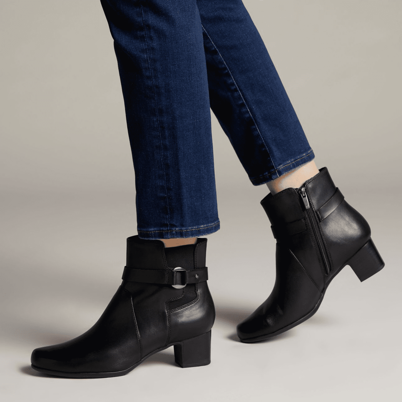 Clarks: Up o 50% off sale styles + extra 40% off!