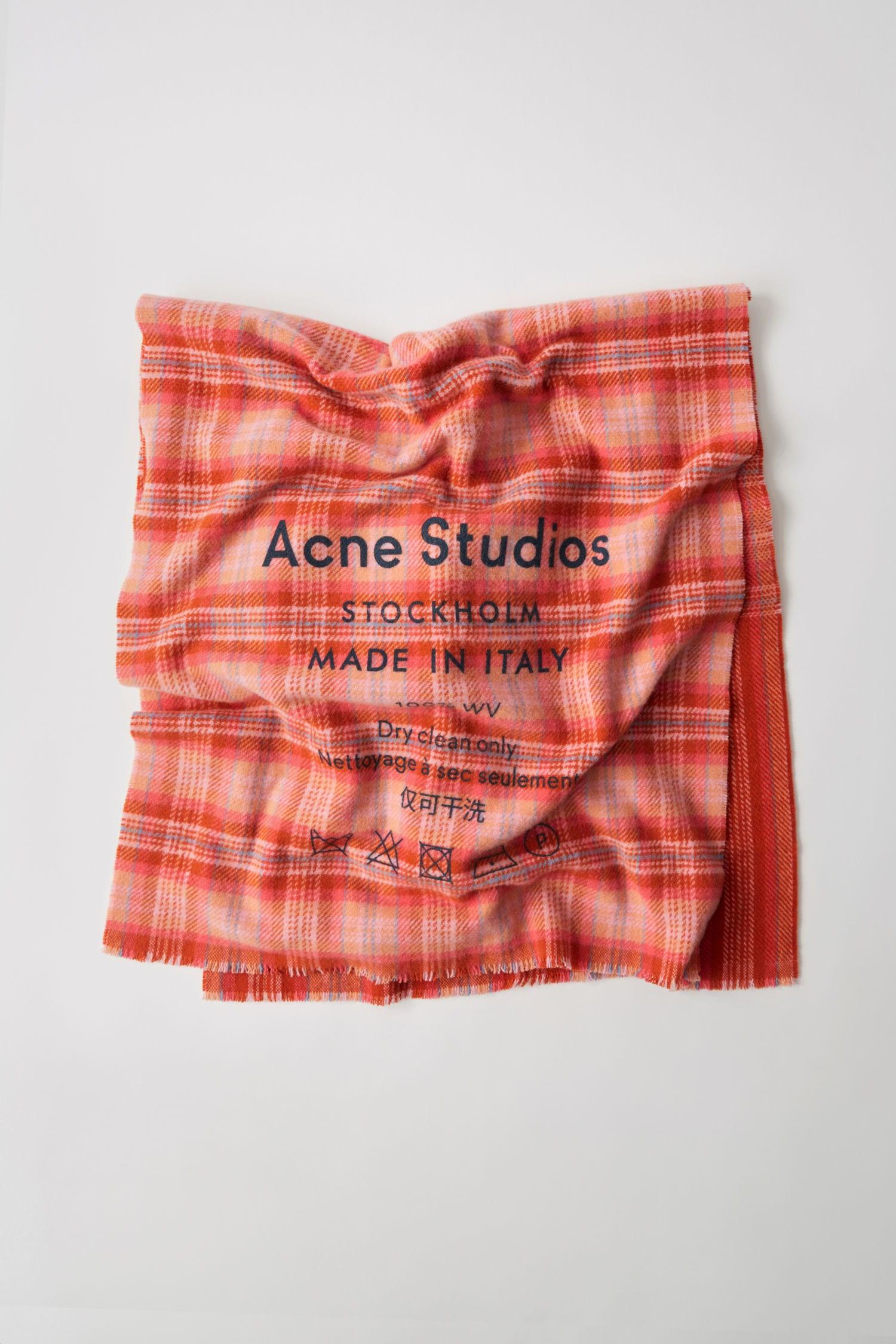 Acne Studio: Archive Sale!