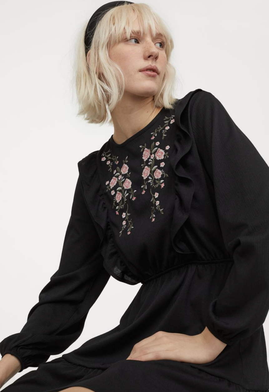 H&M: Summer Sale Early Access! up to 50% off.