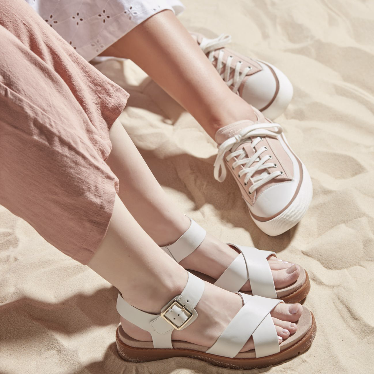 Clarks: Extra 40% off select styles.
