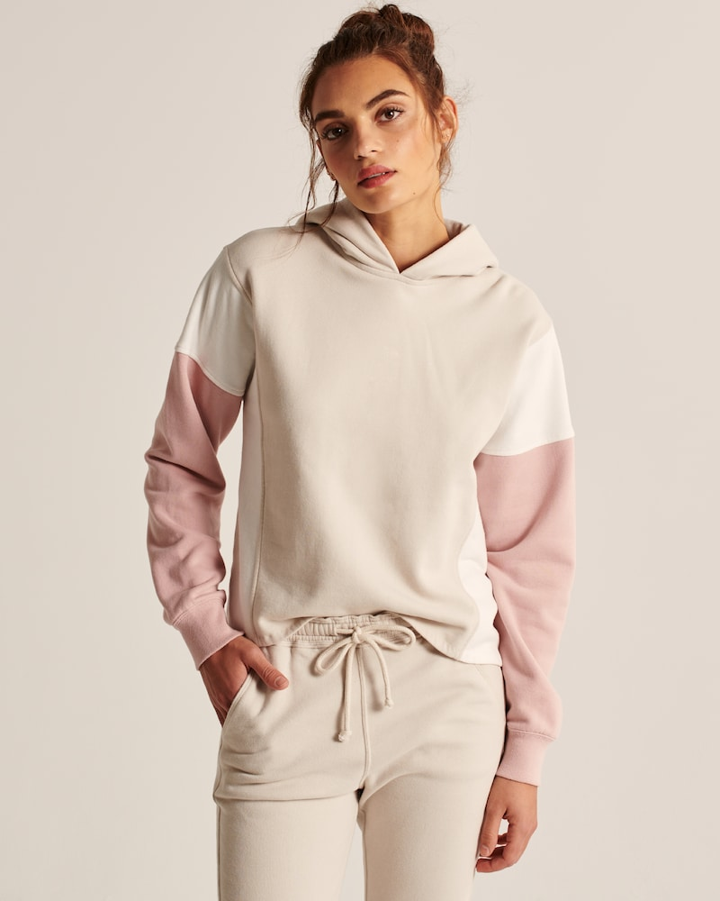 Abercrombie & Fitch: Extra 15% off sale styles