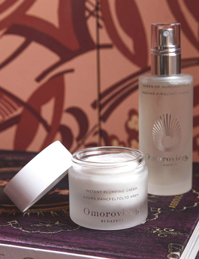 Lookfantastic: Free 9 value gift with 0 Omorovicza pur